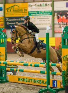Foto's van Indoor Regiokampioenschappen Springen Pony's 4 februari 2018 bij de Zwartewaterruiters te Genemuiden