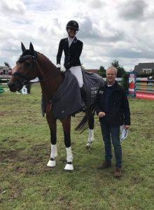 Van Der Graaf de Molen Dressuurcompetitie gewonnen door Janine Flier