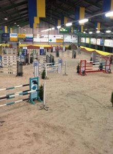 Indoor Genemuiden Springen voor Paarden